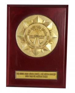 Huy chương vàng hàng Việt Nam chất lượng cao phù hợp tiêu chuẩn